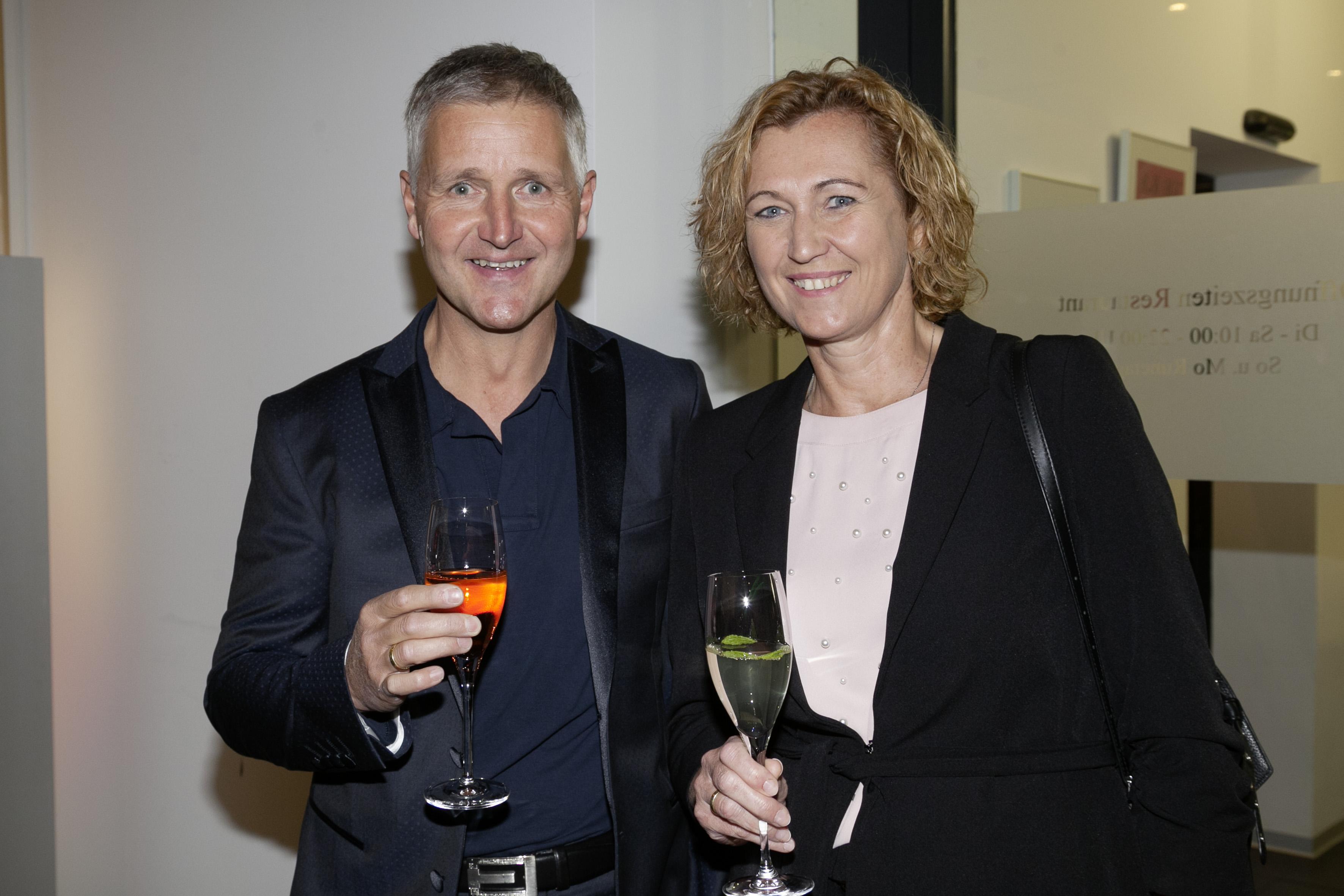 Alexander und Sabine Pacher bei der Ehrung zu 98 Jahren Firmenbestehen